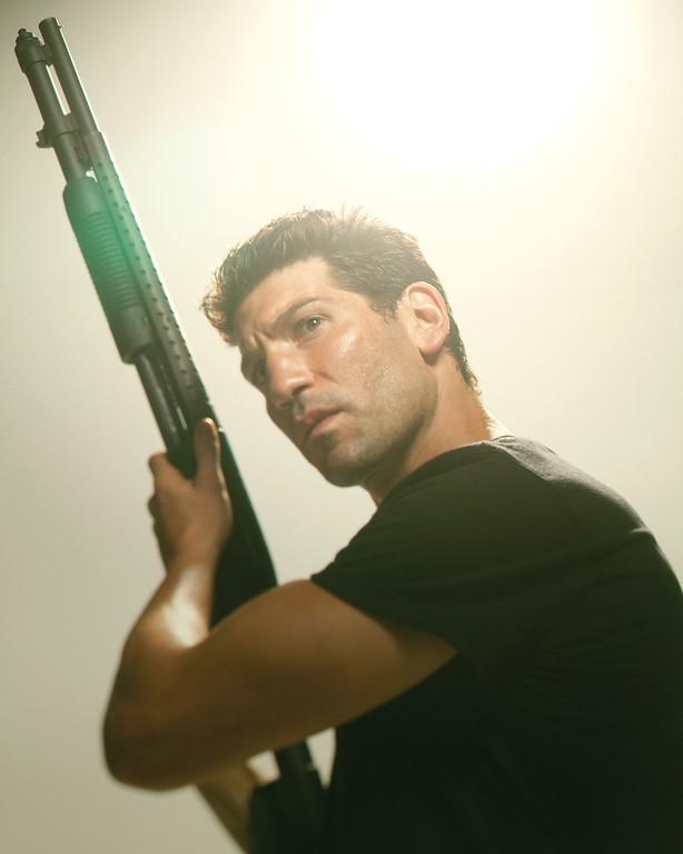 Description of . Shane Walsh (Jon Bernthal) - The Walking Dead