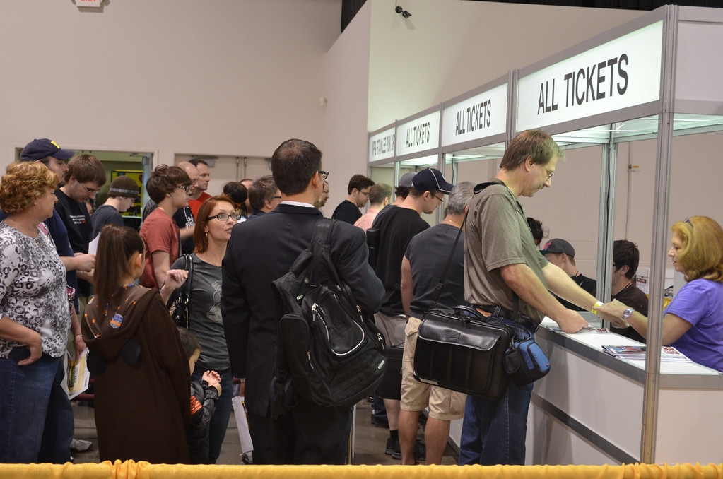 . Hundreds of fans were already lined up to get into the Motor City Comic Con Friday when it opened at 12:30 p.m. (Photo by Dave Herndon)